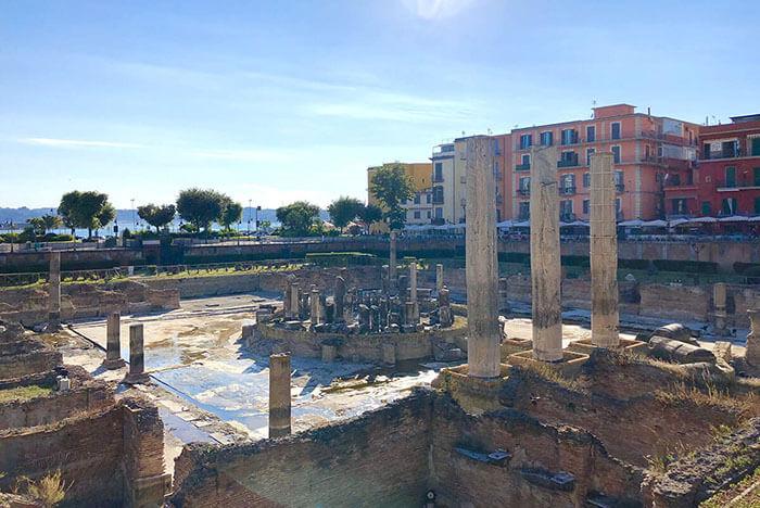 Tempio di serapide - Macellum di Pozzuoli